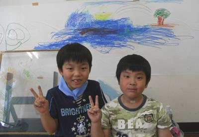 粉が出ない!窓ガラスにかいて消せる不思議なチョーク「キットパス」でお絵かき♪横浜市 子どもアドベンチャー2011 (2011年8月17日)