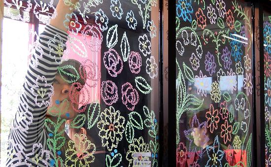 絵本作家スギヤマカナヨさんのタルト専門店『シャン・ドゥ・フルール』開店記念ライブペイント@豊橋市社会福祉法人さくら様(2015年5月8日)